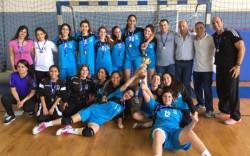 קבוצת הבנות של תיכון קציר (כיתות ט') זכו באליפות הארצית בכדוריד