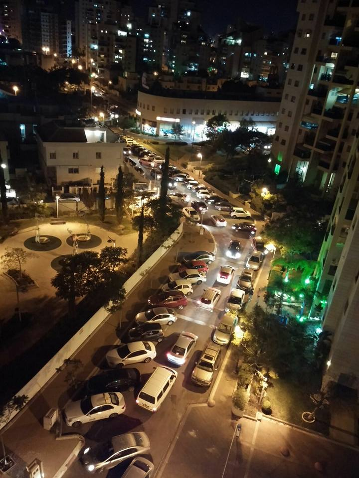 פקקים ברחוב שמעון אבידן. צילום שרה צדוק