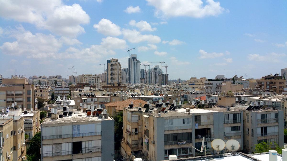 הנוף מסוקולוב לשדרת המגדלים. צילום: יואב בן פורת